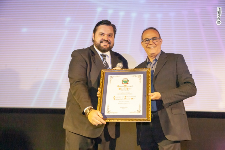 Câmara de Vereadores faz homenagem a APP Ribeirão pelos seus 35 anos de fundação