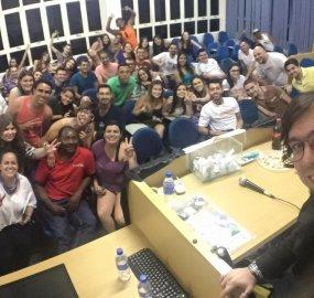"""APP Estudantil realiza """"Dia da APP"""" nas faculdades"""